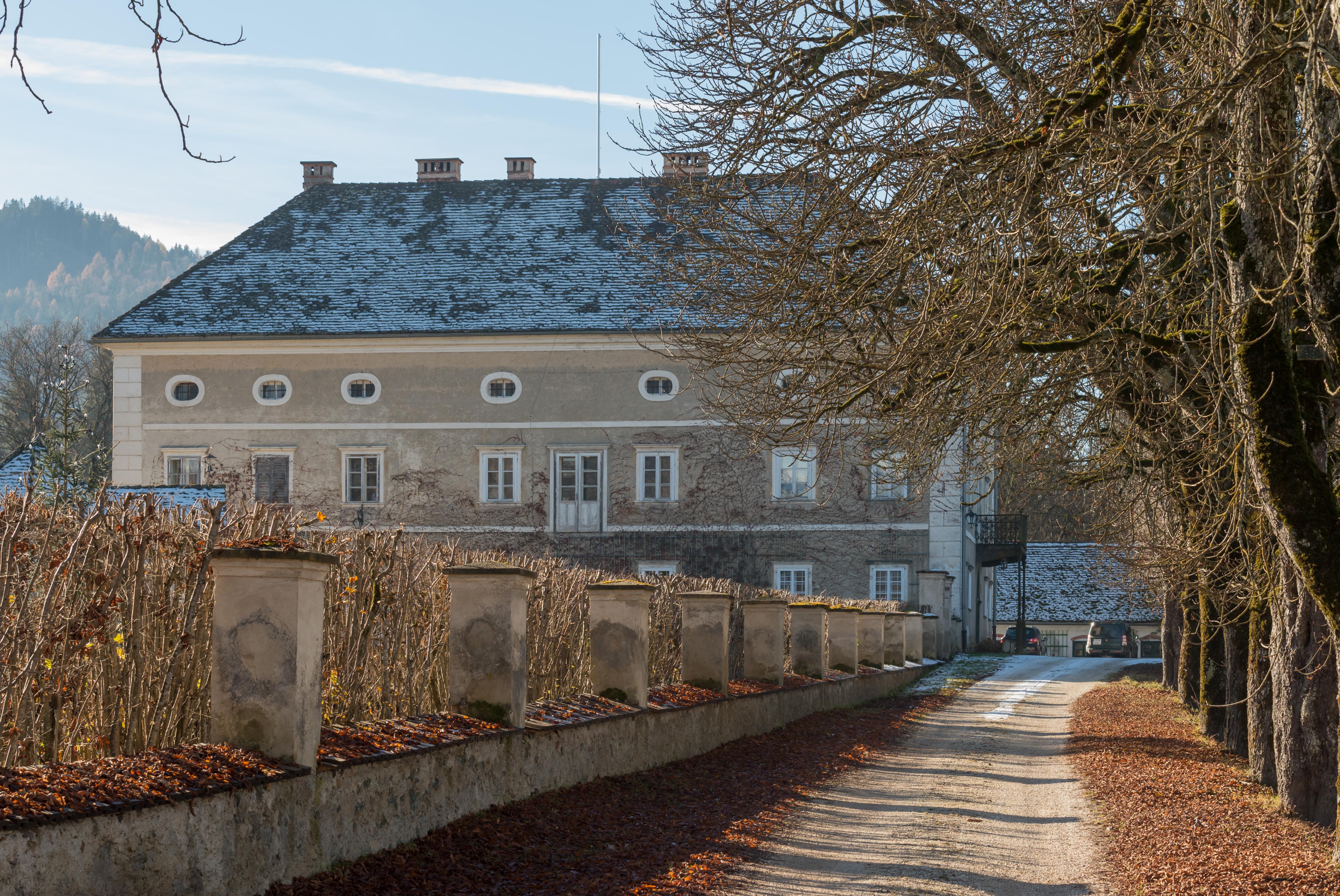 File:Sankt Georgen am Laengsee Niederosterwitz 2 Schloss 02122015 2393.jpg