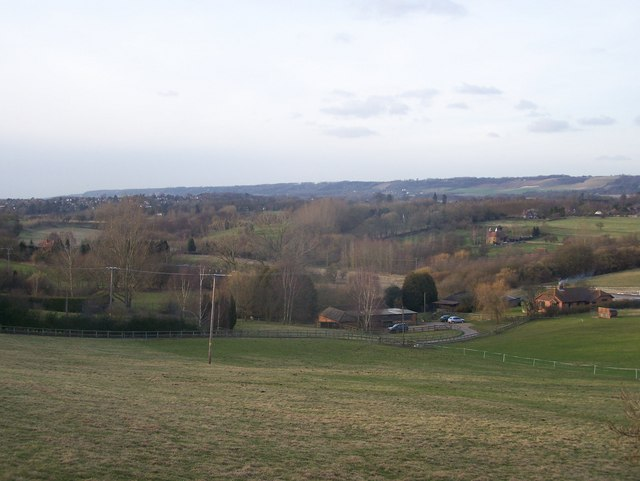 File:Spout Farm and River Len Valley view - geograph.org.uk - 1180933.jpg