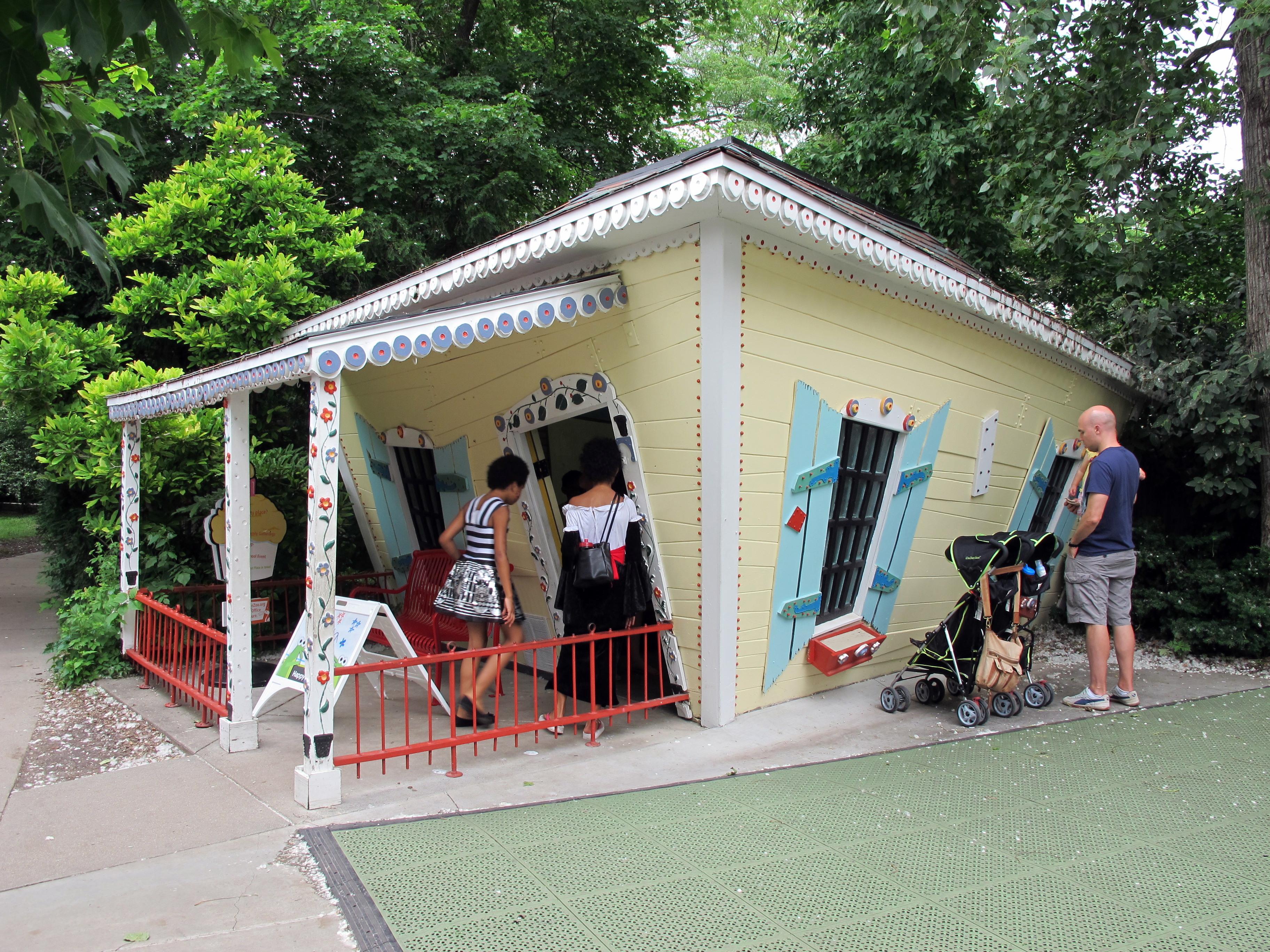 FileThe Crooked House Lincoln Childrens Zoo Lincoln Nebraska - Lincoln children's zoo birthday party