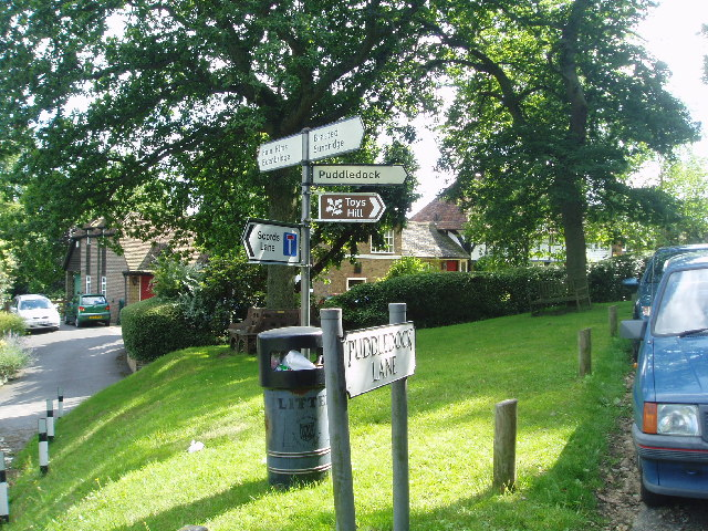 File Toys Hill Signs Geograph Org Uk 34580 Jpg Wikimedia Commons