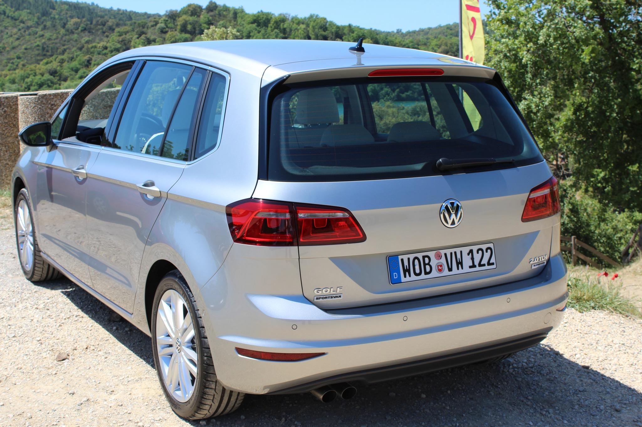 File:VW Golf Sportsvan (14214834855).jpg - Wikimedia Commons