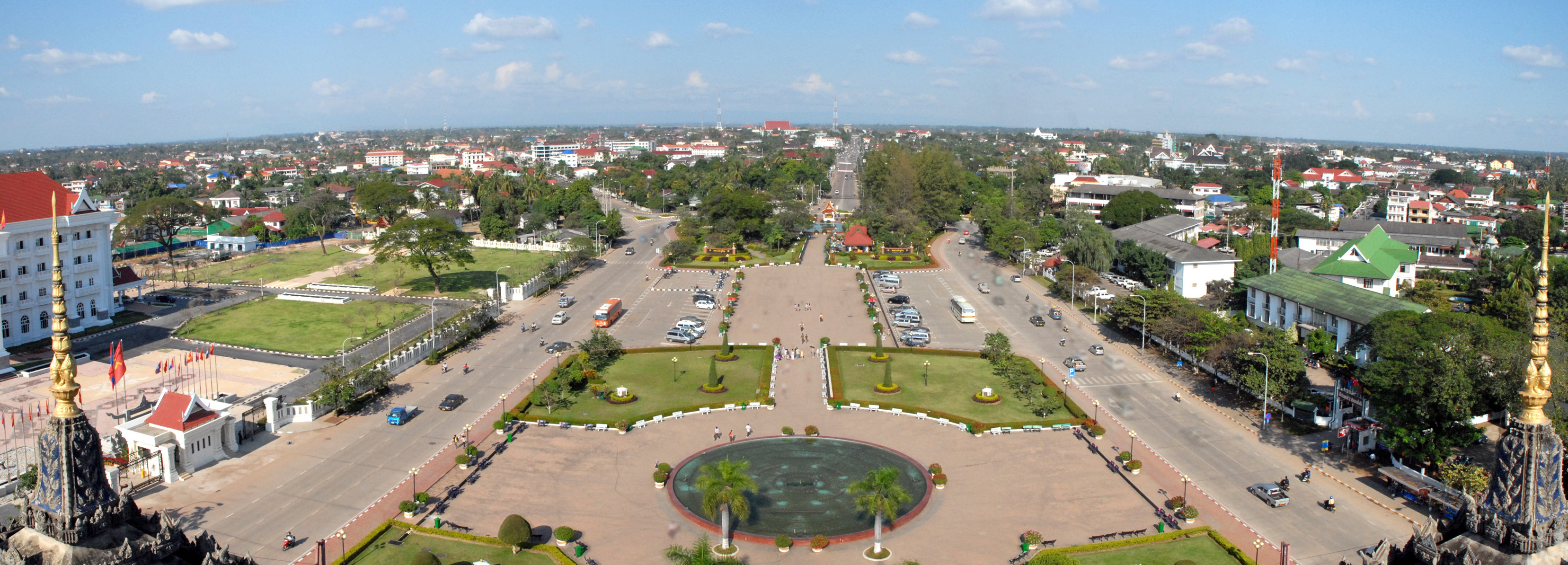 Vientiane Laos  city pictures gallery : Vientiane Patouxai Laos Wikimedia Commons