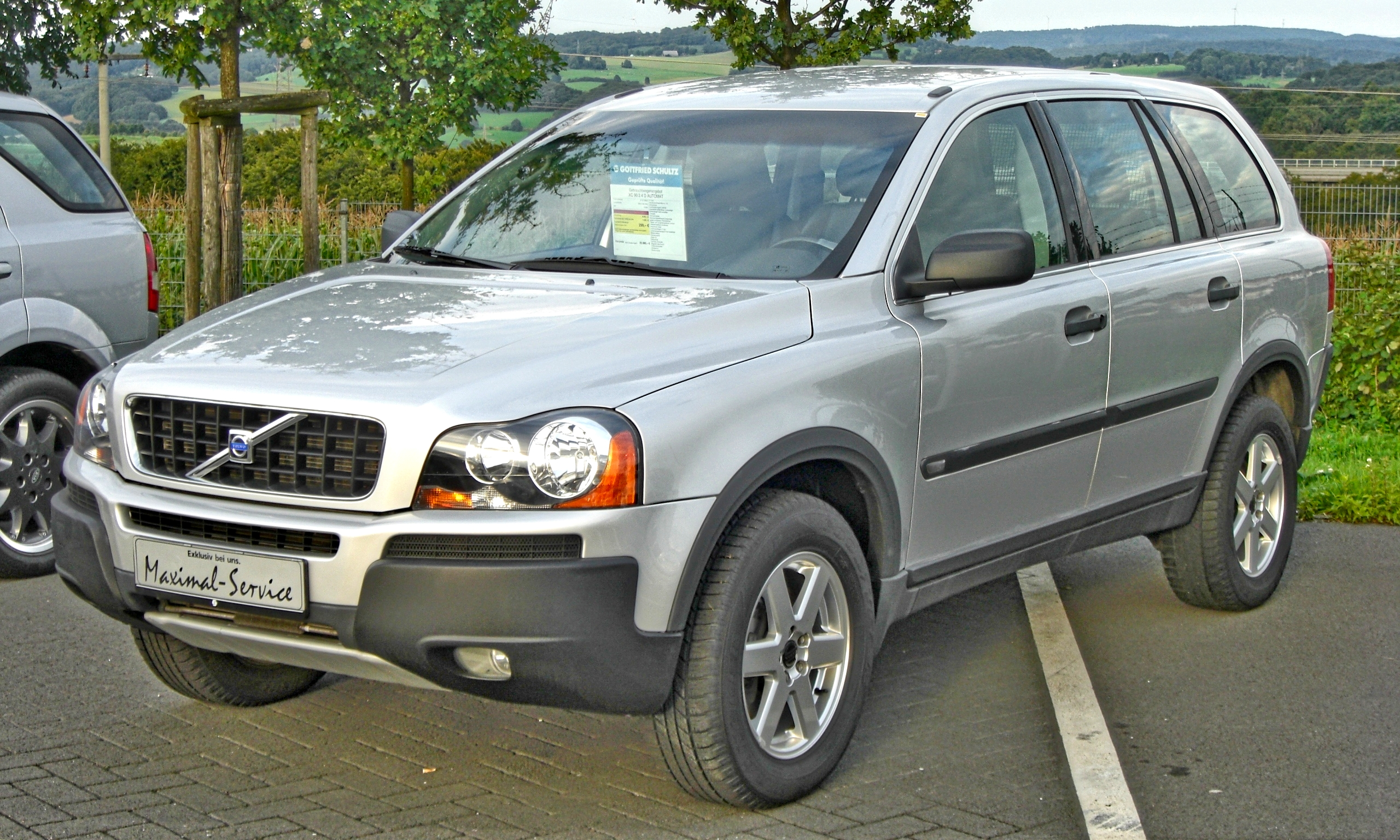 File Volvo Xc90 Front 1 Jpg Wikimedia Commons
