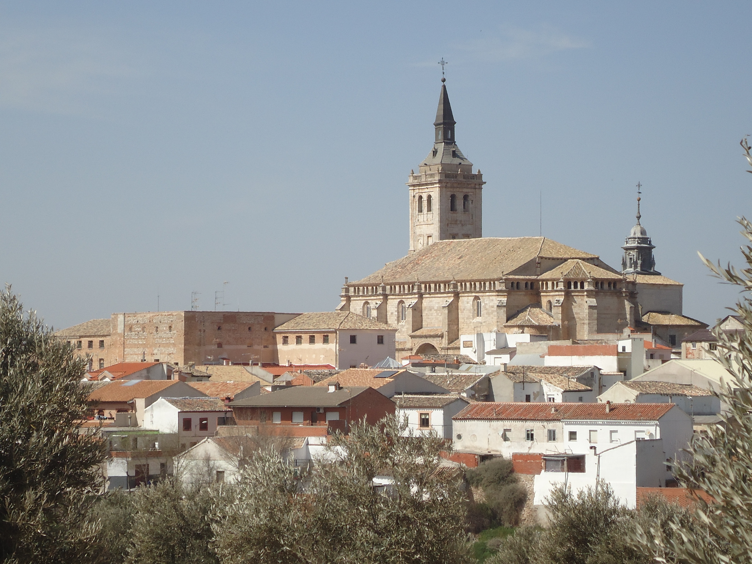 File:Yepes - Panorámica.JPG - Wikimedia Commons