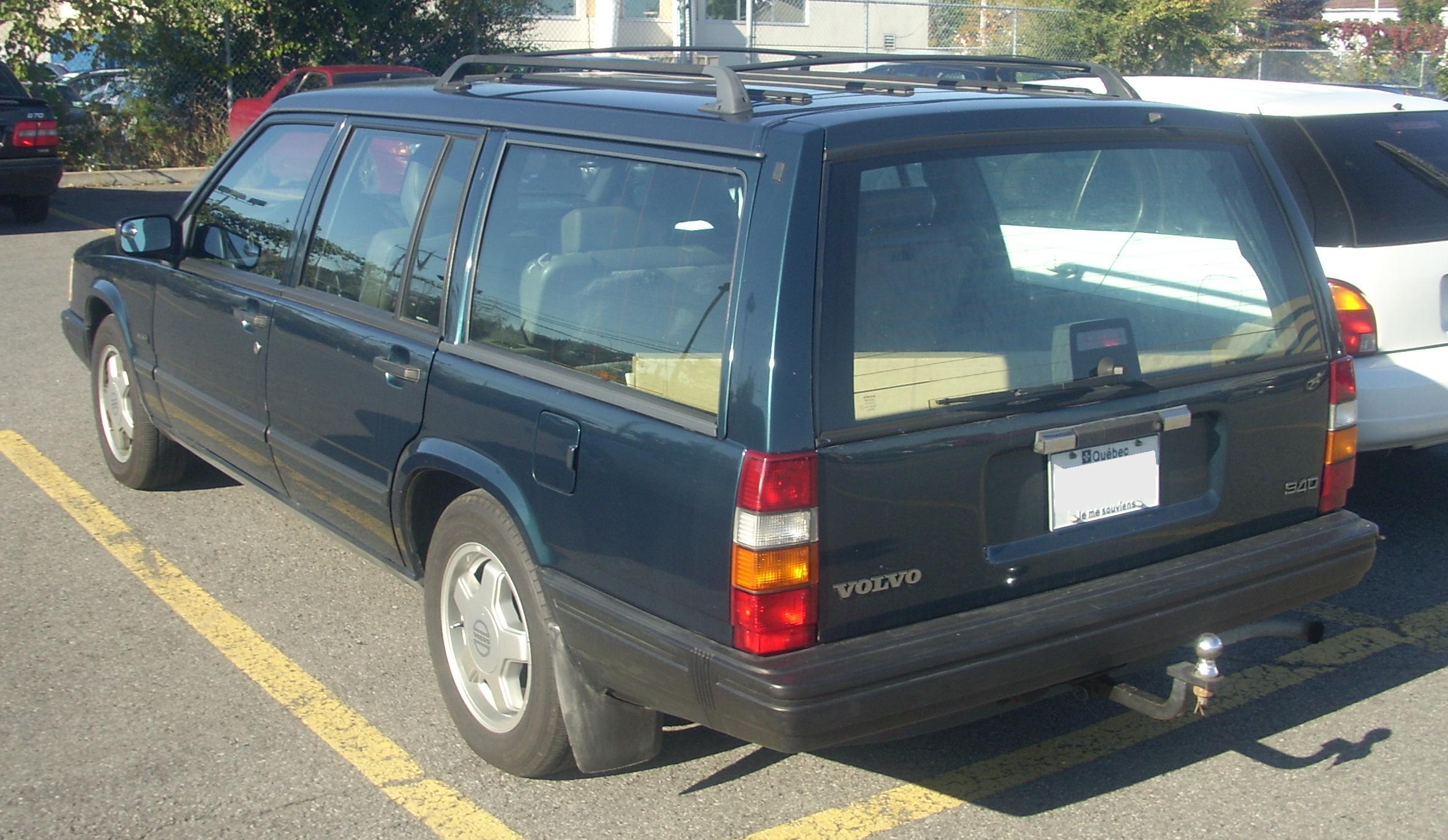 File:'92-'93 Volvo 940 Wagon (Rear).JPG - Wikimedia Commons