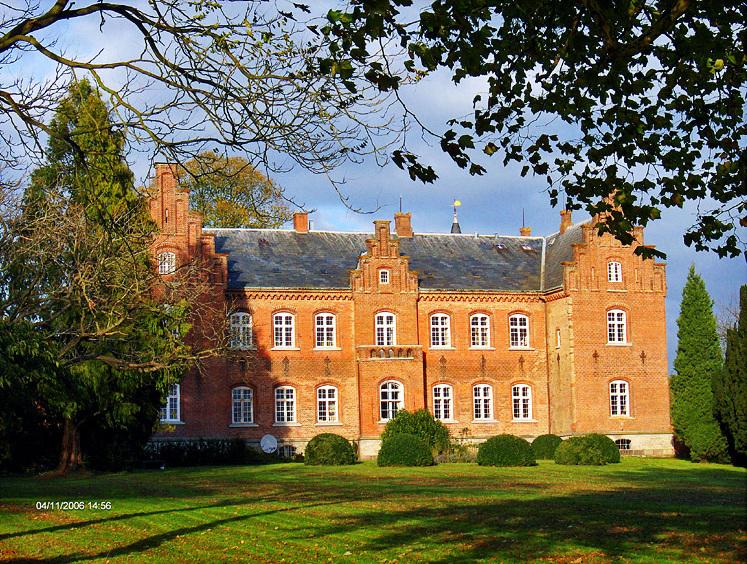 06-11-04-j1 Erholm (Fyn).jpg
