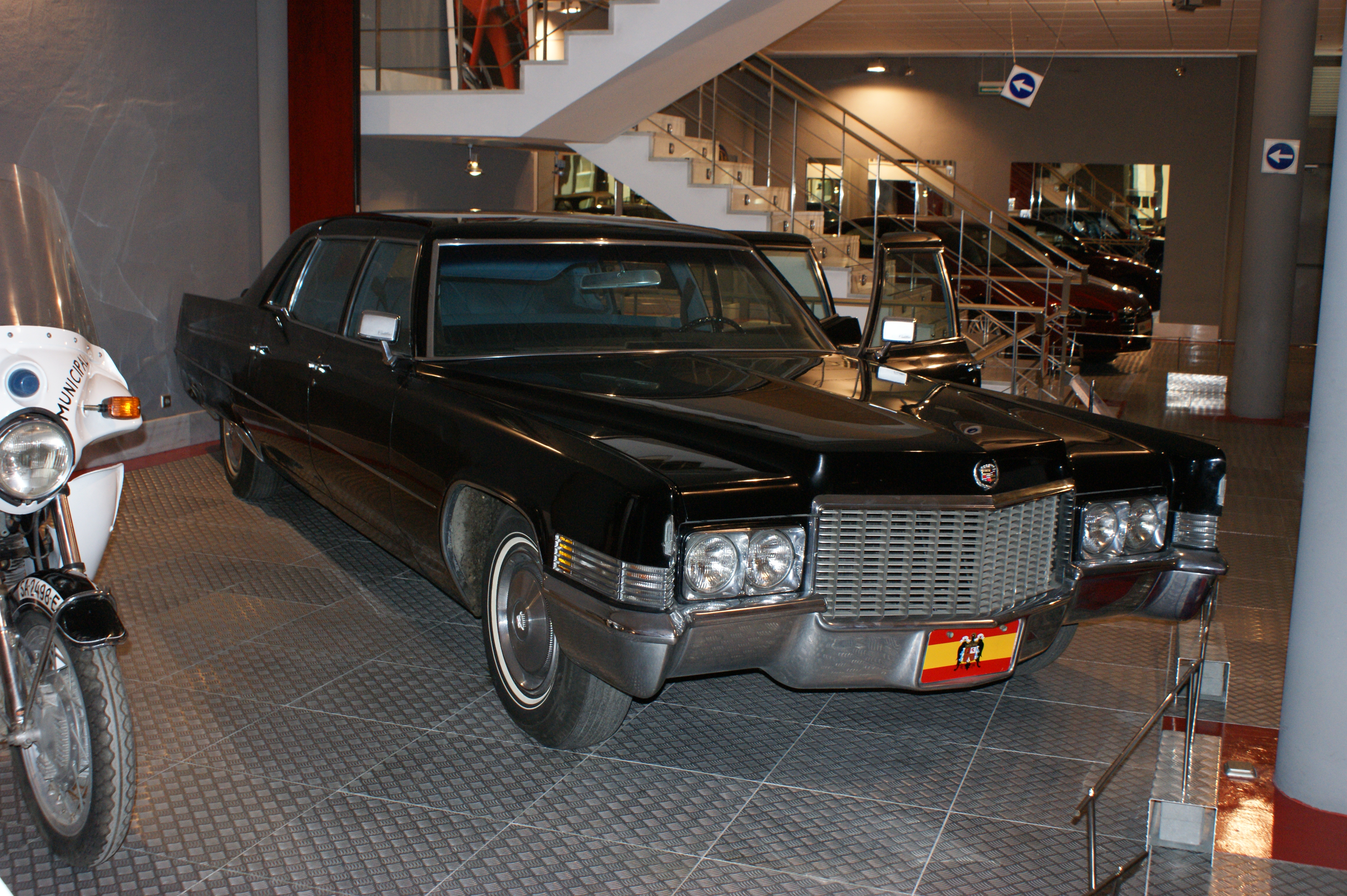 cadillac side a has of kansas city car every sale fleetwood tell for club yours left to story