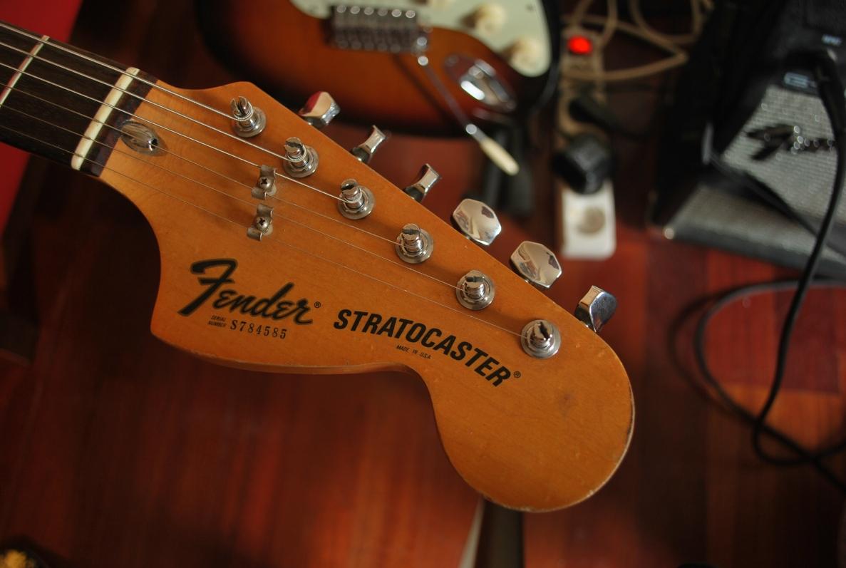 Fender strat closeup pictures — 8