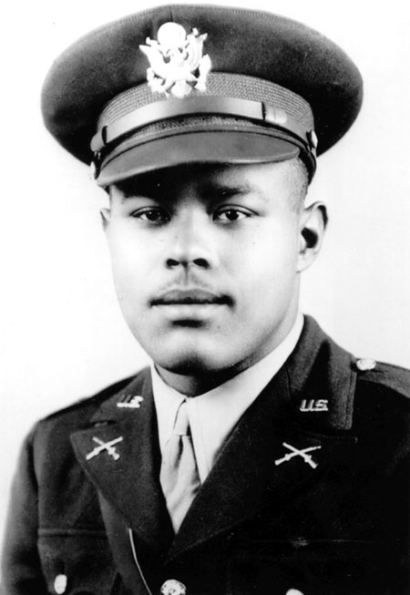 1944 : Charles Leroy Thomas, First African-American to Win Distinguished Cross