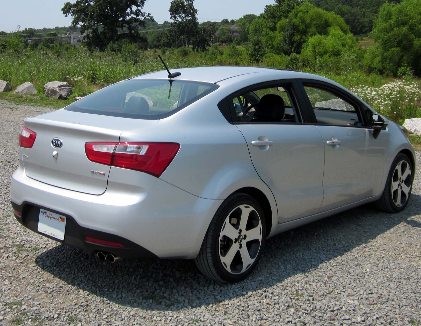 File Kia Rio Sx Sedan Rear Jpg Wikimedia Commons
