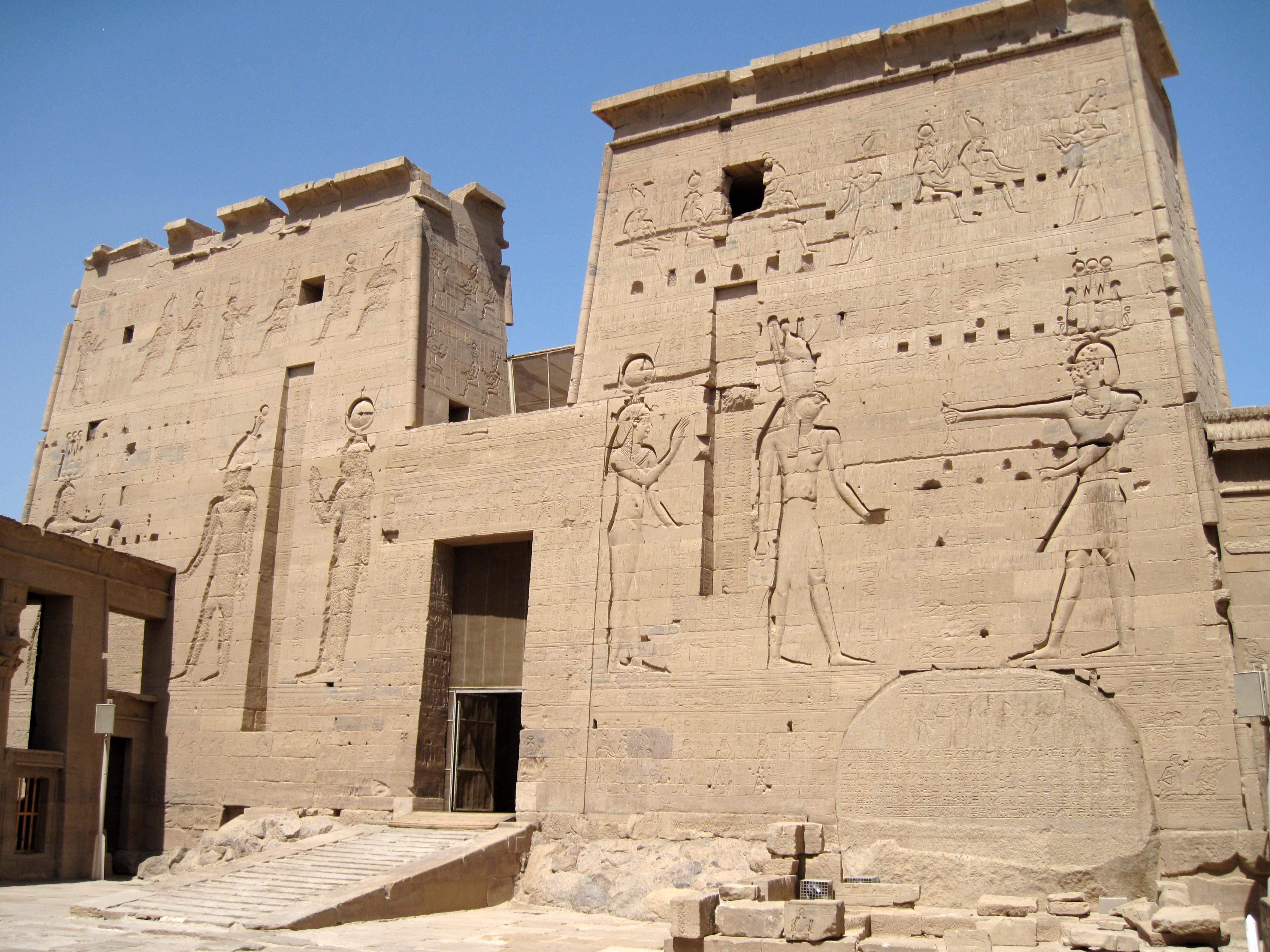 Bildergebnis für tempel von isis