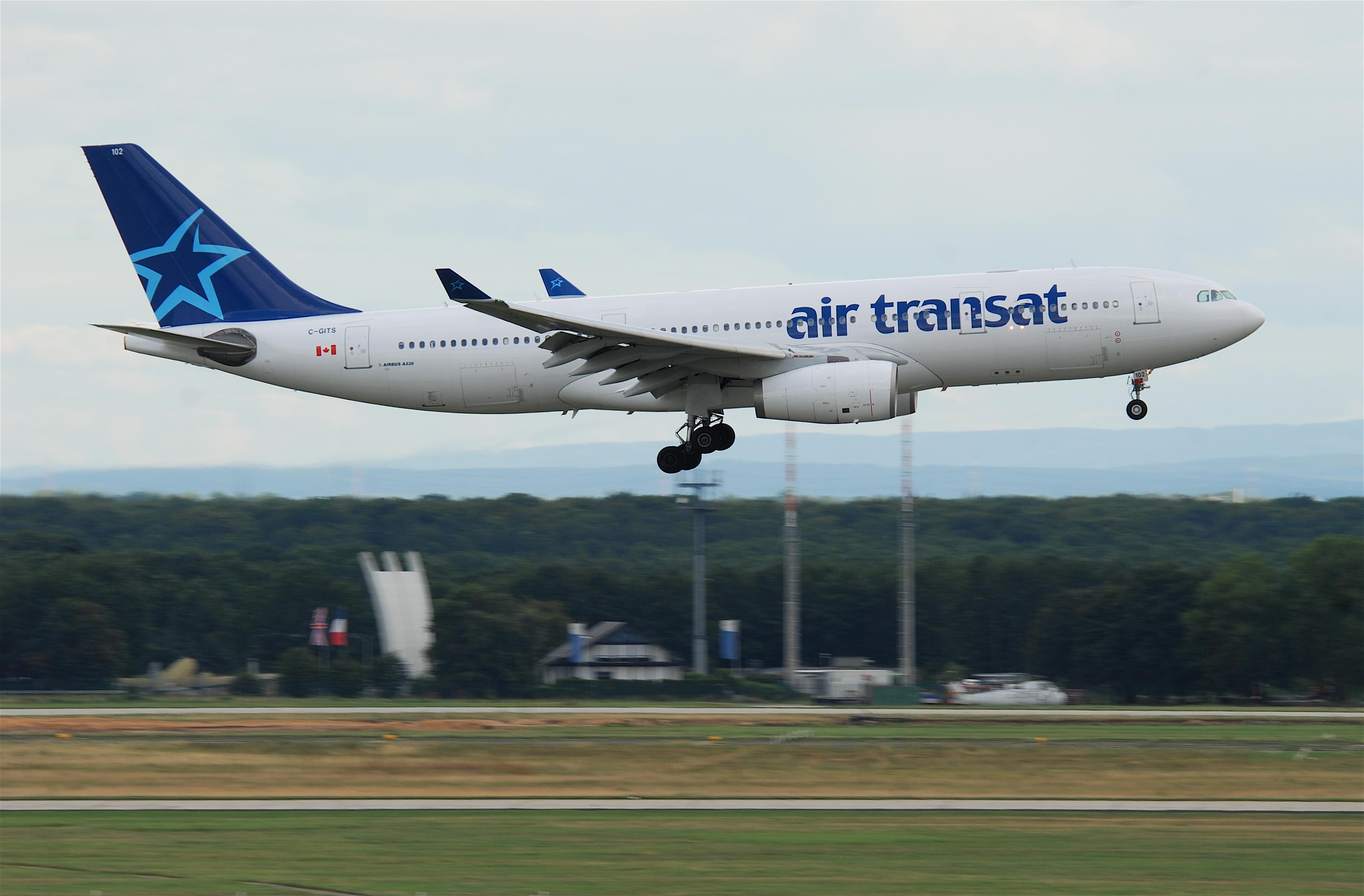 file air transat airbus a330 200 c gits fra 08 08 2010 585dc 4878975540 jpg wikimedia commons