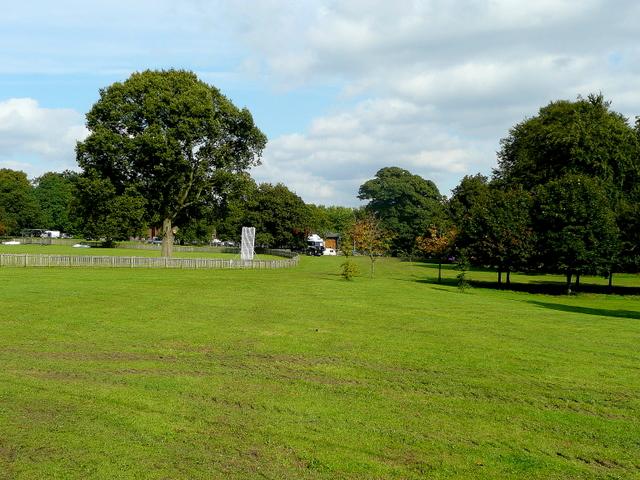 Alfreton Park 1 - geograph.org.uk - 1480197