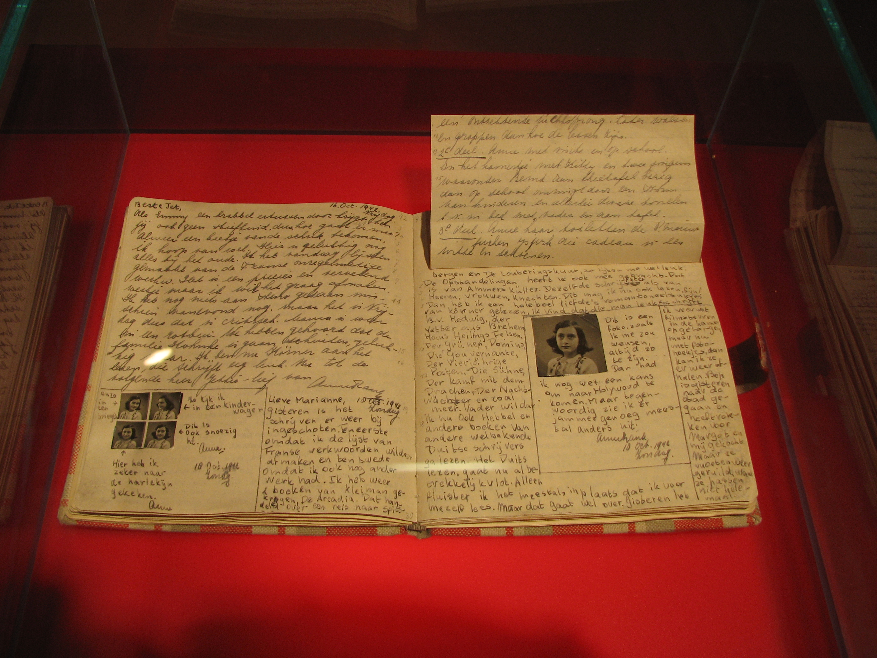 File Anne Frank Diary At Anne Frank Museum In Berlin Pages 92 93 Jpg