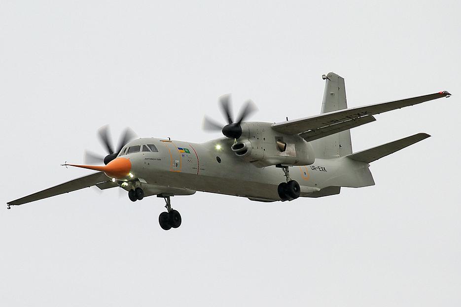 Vuelo inaugural de Antonov An-132D en Gostomel (recortado) .jpg