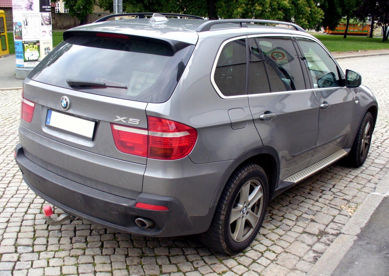 File Bmw E70 X5 3 0d Spacegrau Heck Jpg Wikimedia Commons