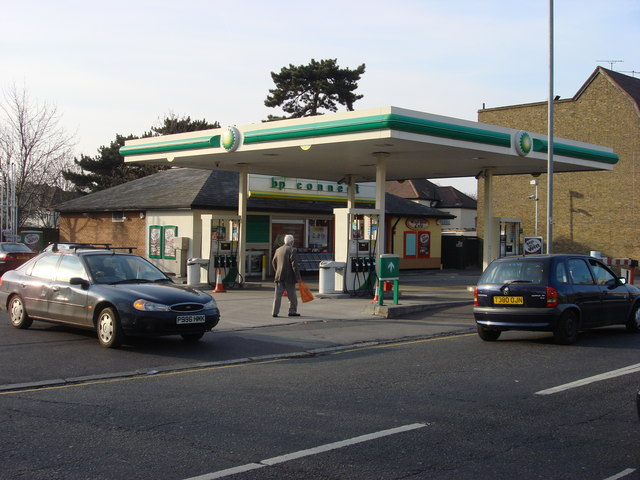 File:BP Connect, Corbets Tey Road - geograph.org.uk - 1222247.jpg
