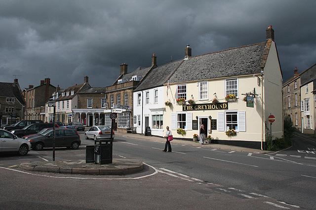 Beaminster, The Square - geograph.org.uk - 922596