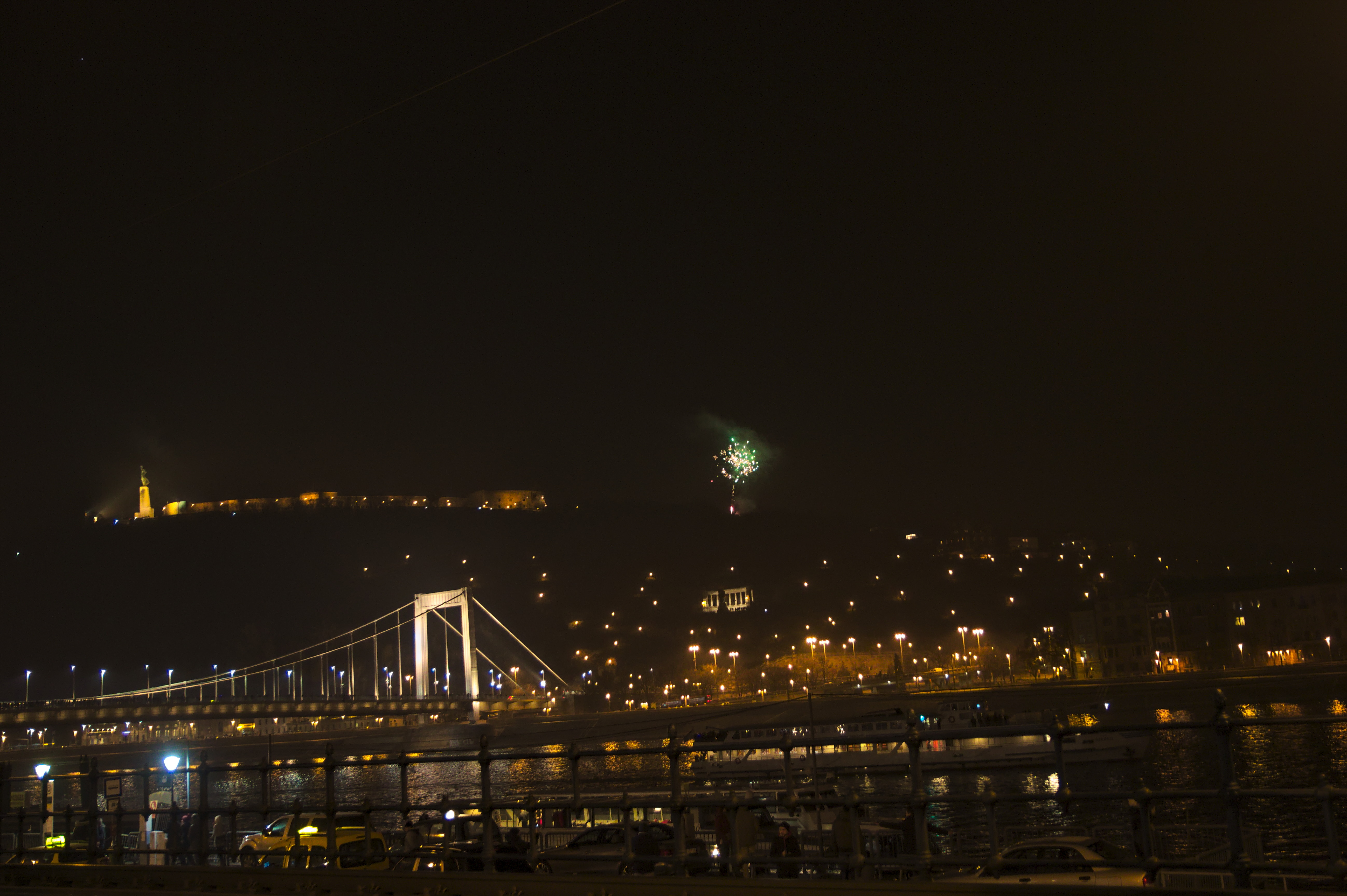 File Budapest Fin De Ano Fin De Año New Year S Eve 2016 02 Jpg Wikimedia Commons