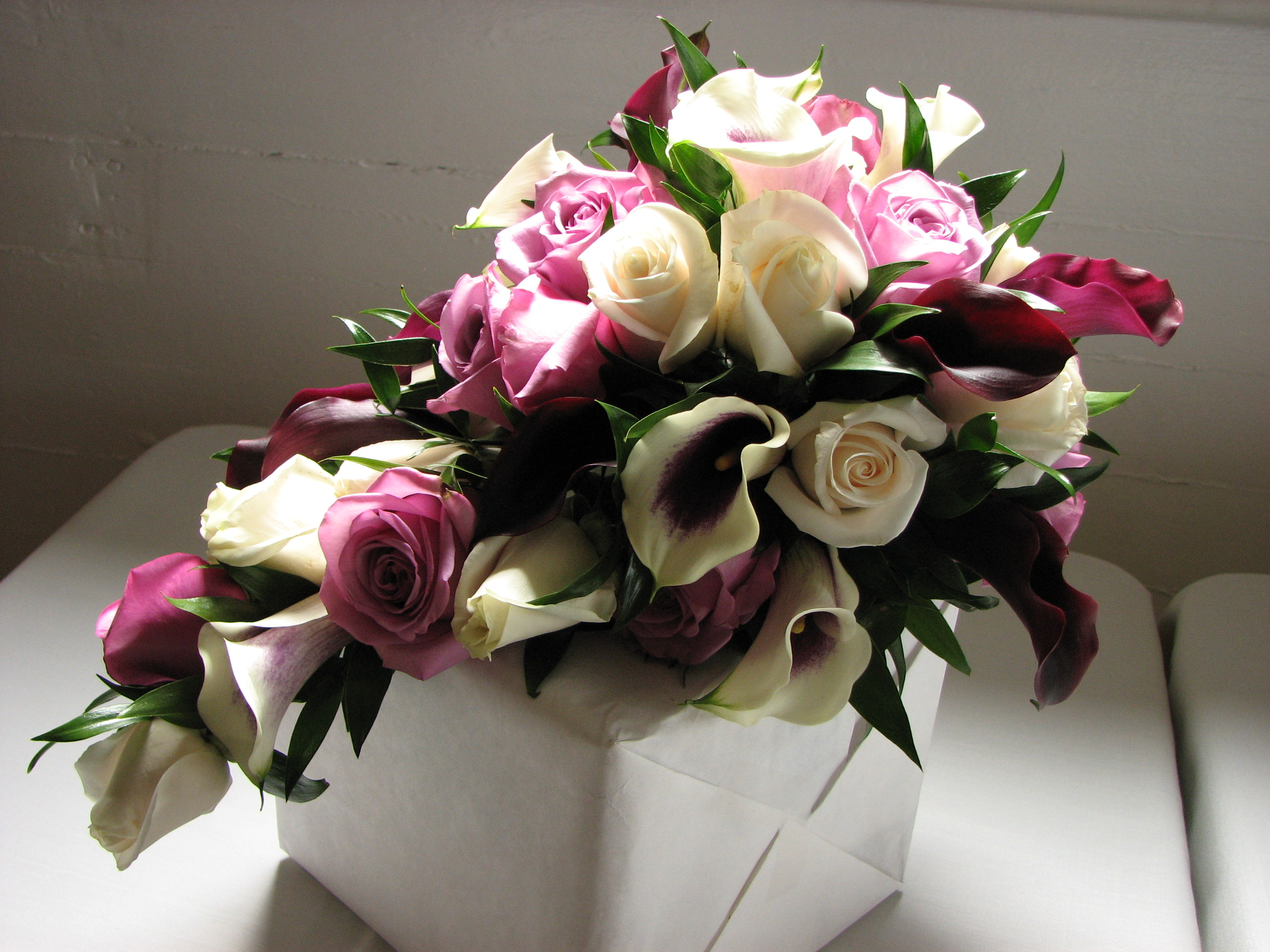 File Cascading Bridal Bouquet JPG Wikimedia Commons