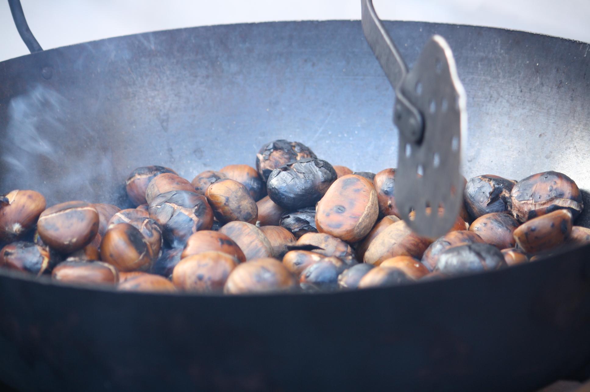 El Ayuntamiento abre el proceso para la instalación de una churrería y dos puestos para la venta de castañas