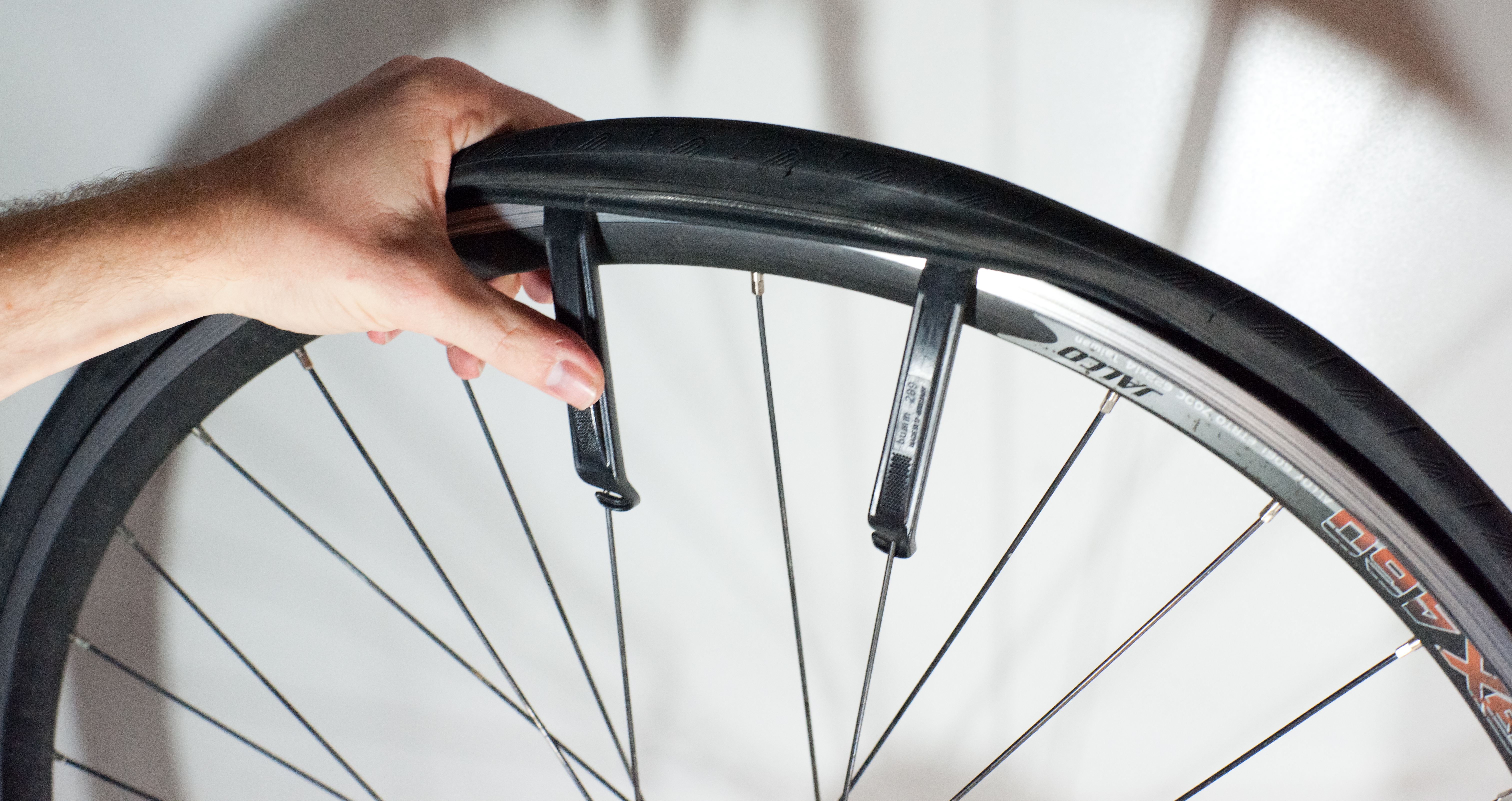 File Changing An Inner Tube Removing The Tire 3 Jpg Wikimedia