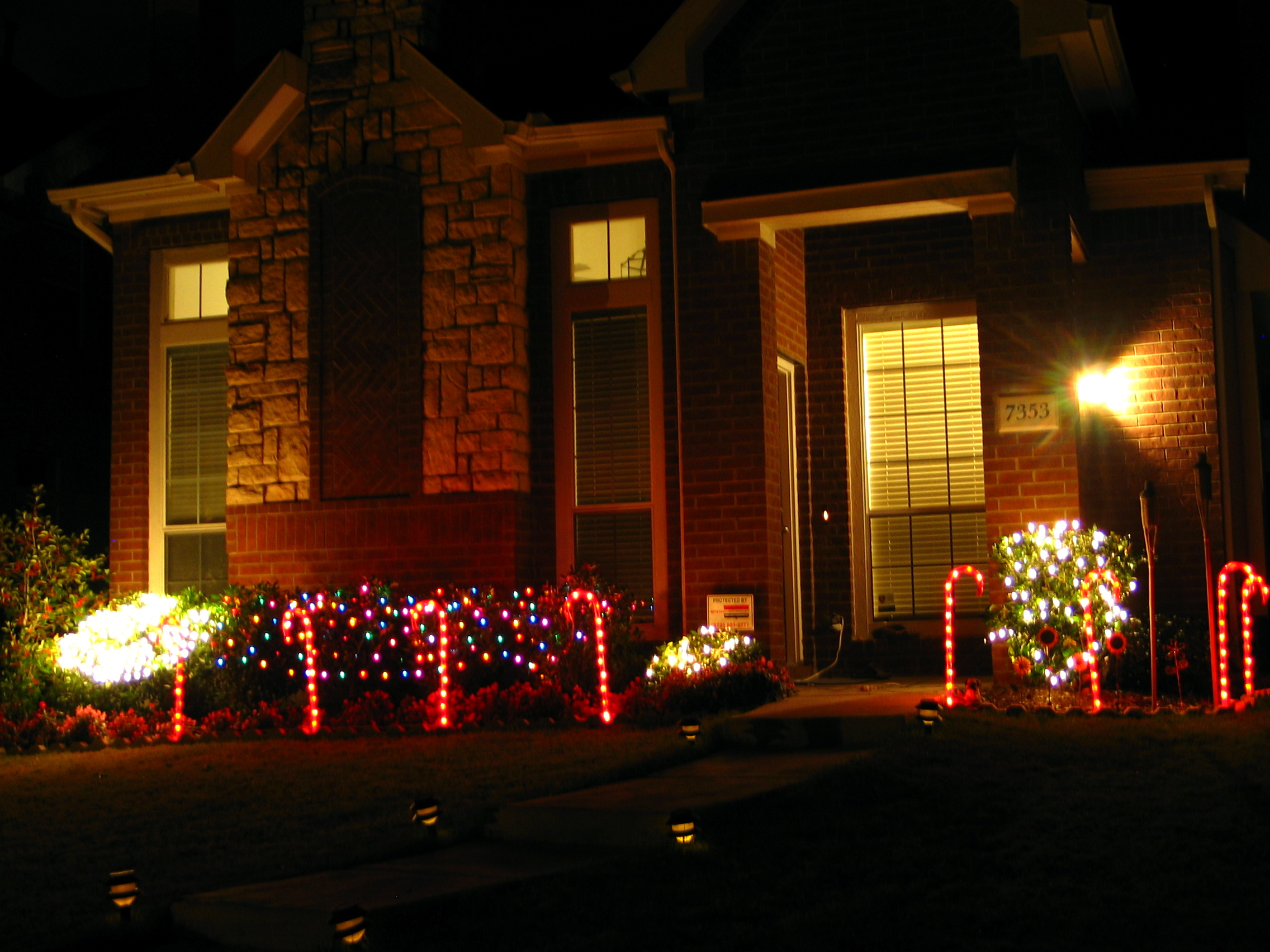 Christmas Decorations For Outside : File christmas decoration outdoors g wikimedia commons