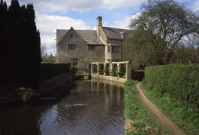 Converted Mill House at Bourton-on-the-Water - geograph.org.uk - 453734
