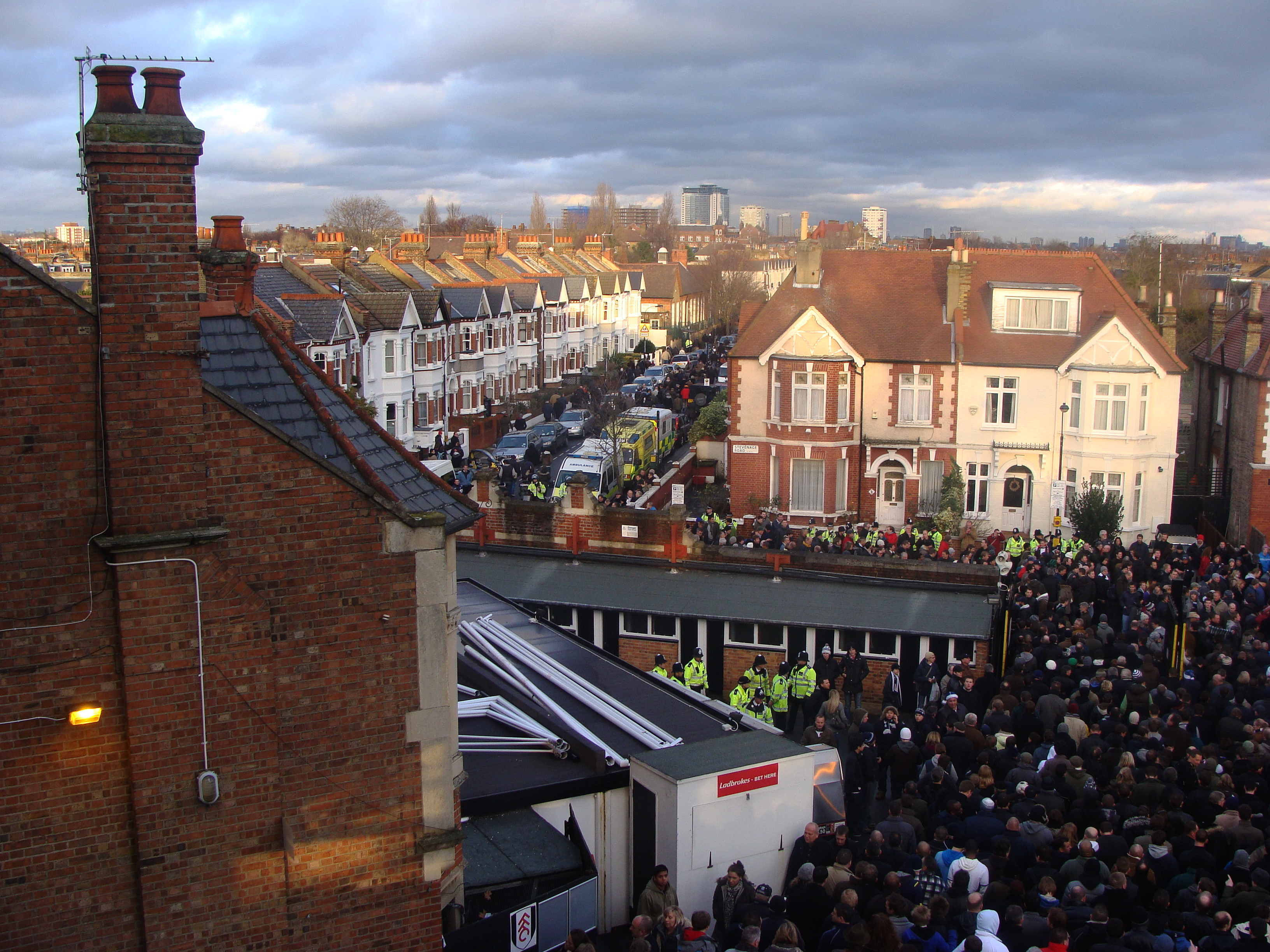 File:Craven Cottage 2009 Fulham V Spurs.jpg