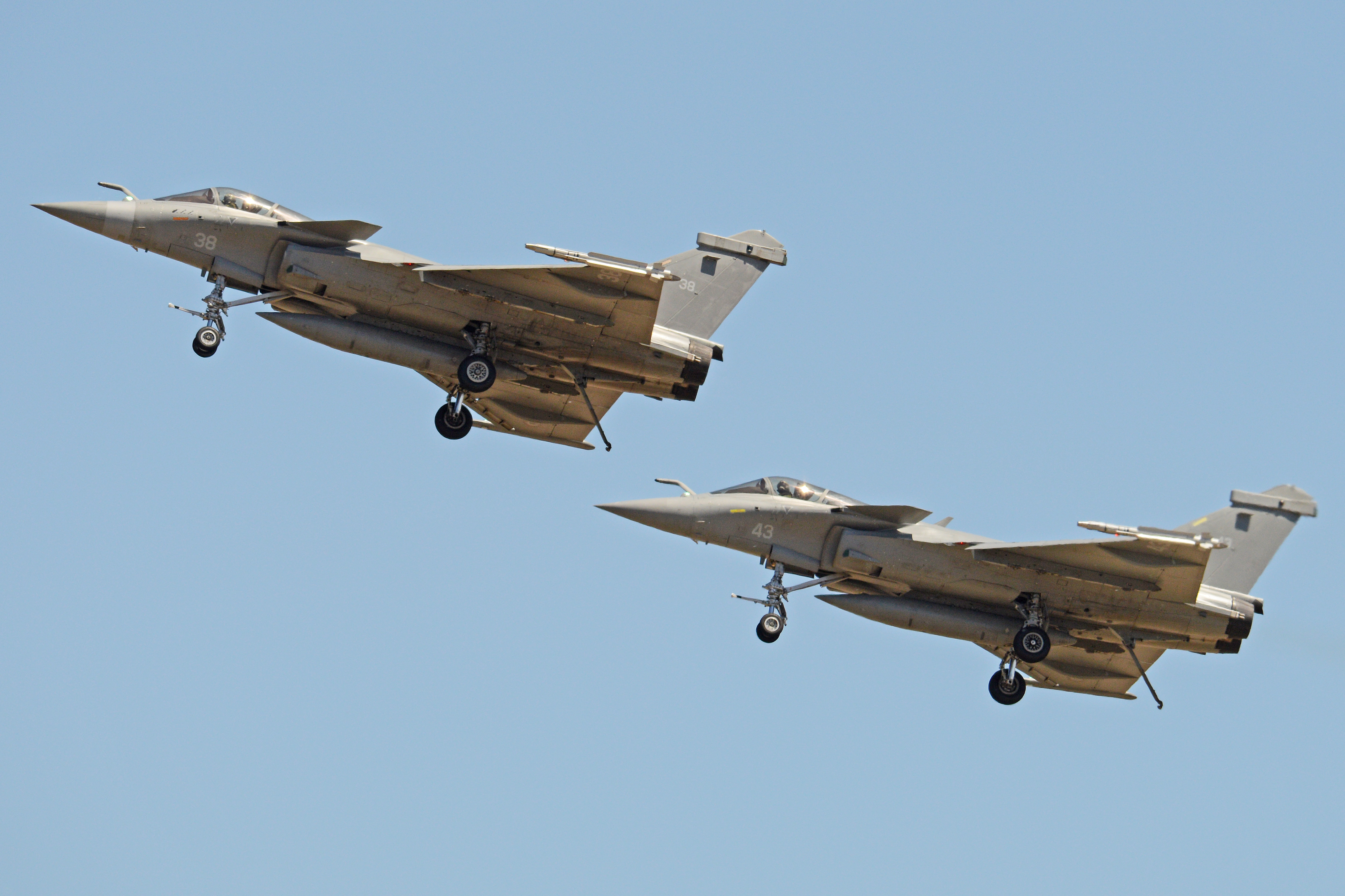 File:Dassault Rafales '38' & '43' (31478602756).jpg - Wikimedia Commons