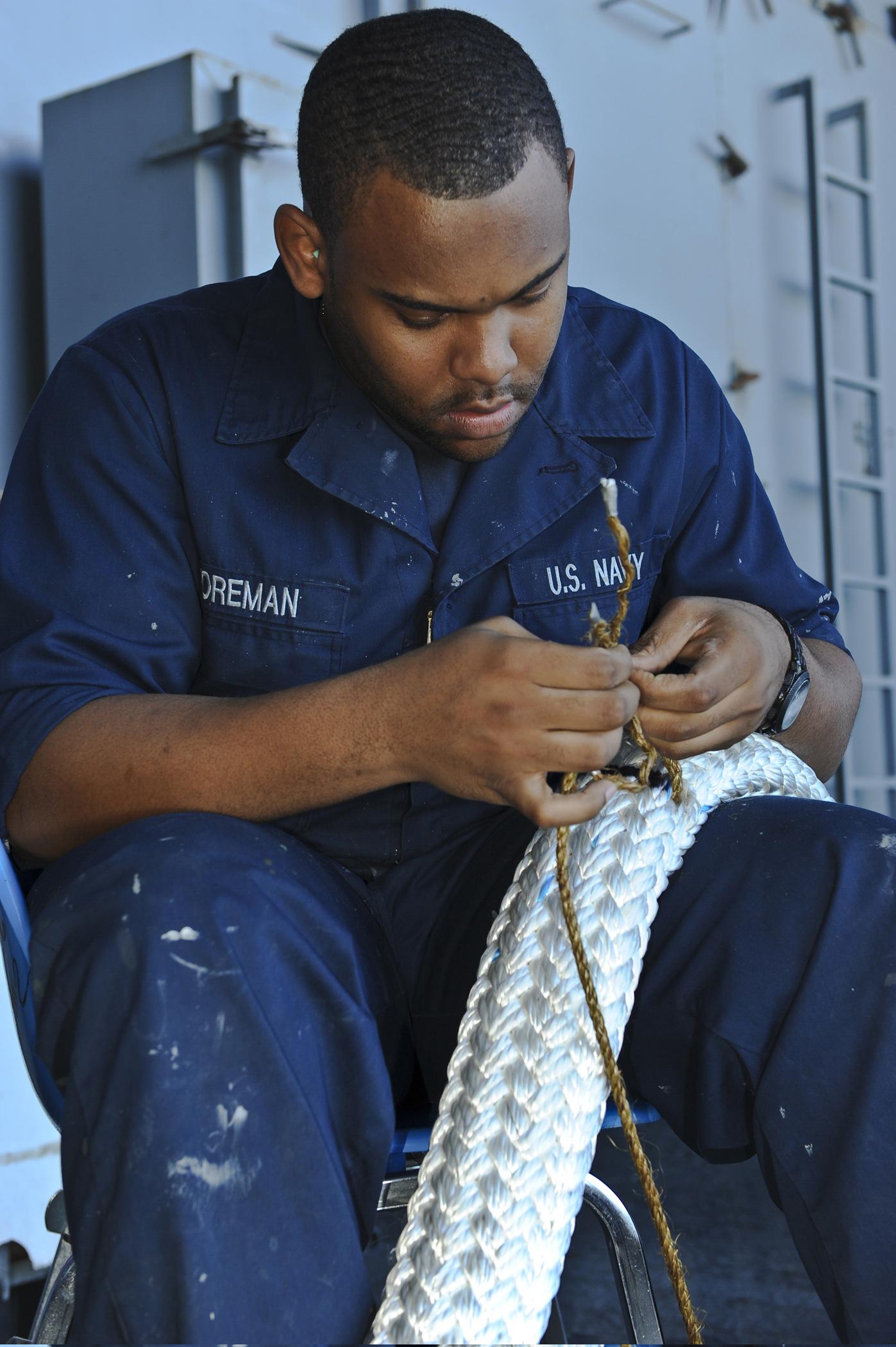 File Defense Gov News Photo 120128 N Je709 051 U S Navy Seaman