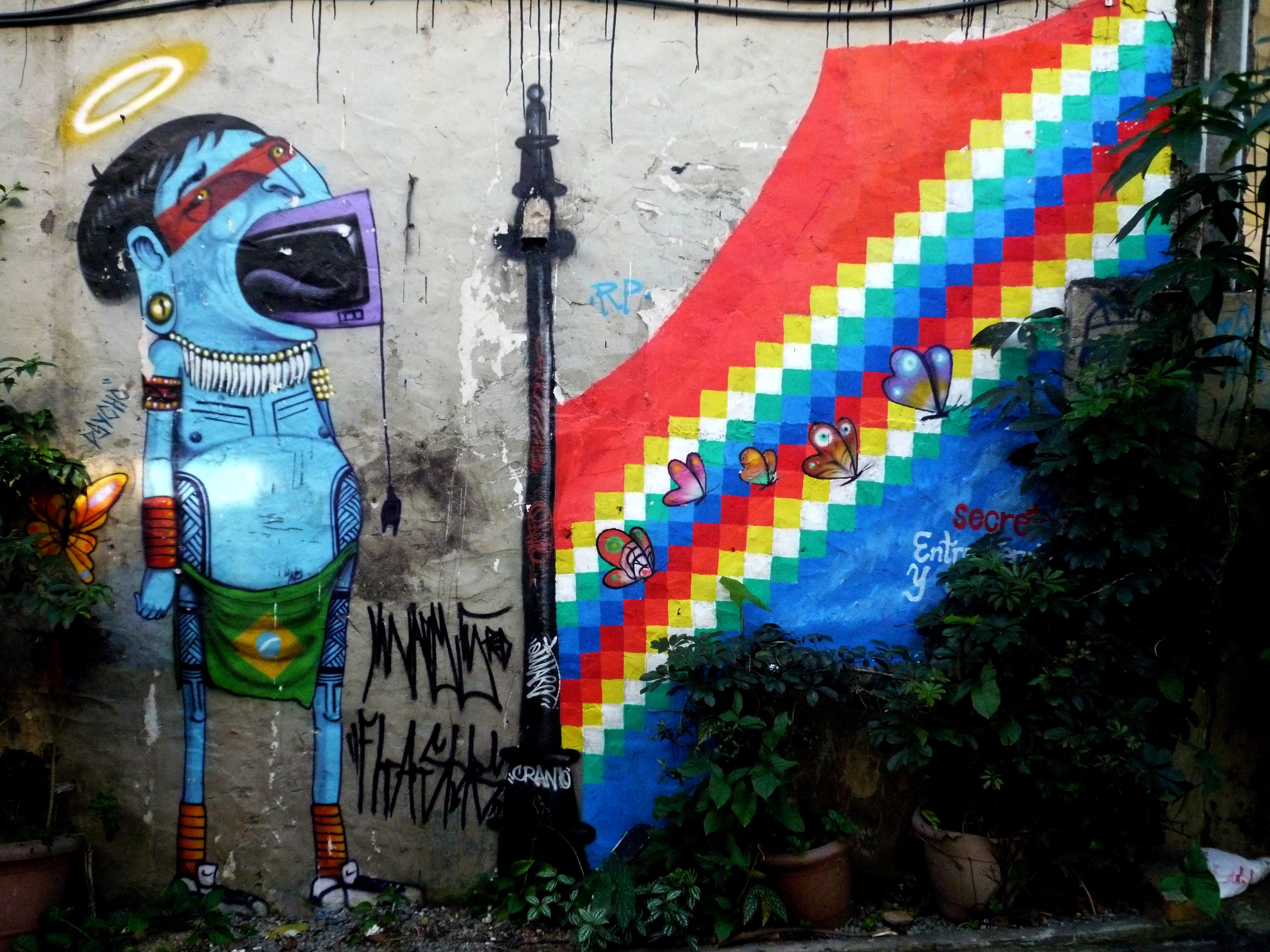Filedetalle Graffitis Patio Casa Fora Do Eixo Sao Paulojpg - Graffitis-en-casa