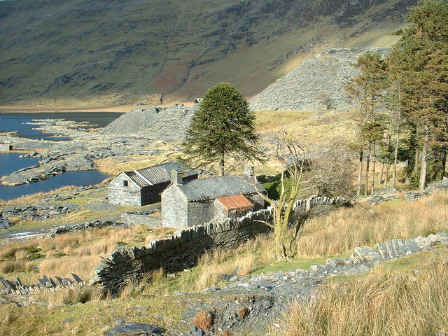 Disused quarry buildings at Cwmorthin Quarry - geograph.org.uk - 337175