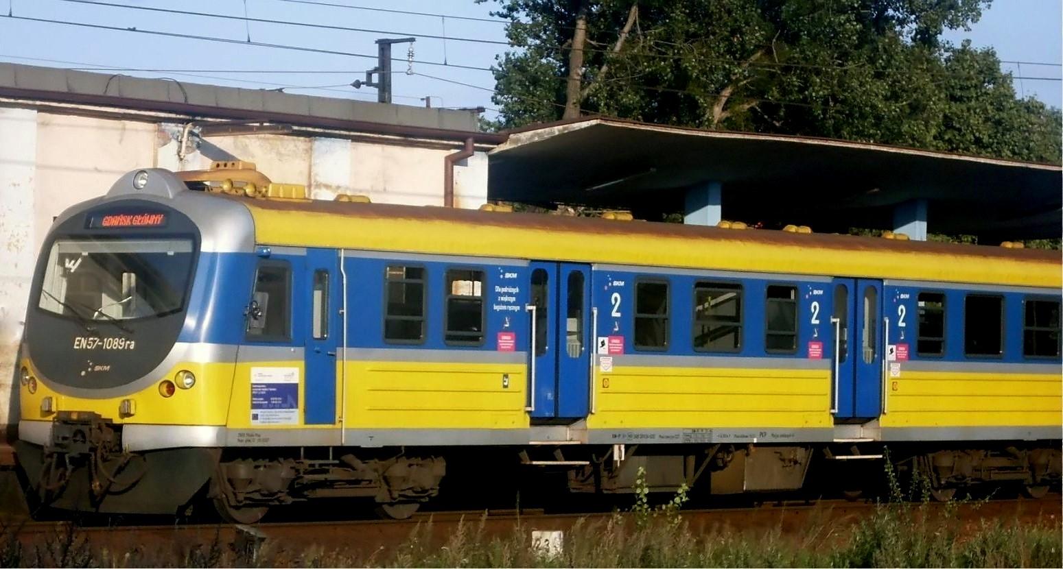 File:EN57-1089ra motor coach of Trójmiejska SKM.jpg ...