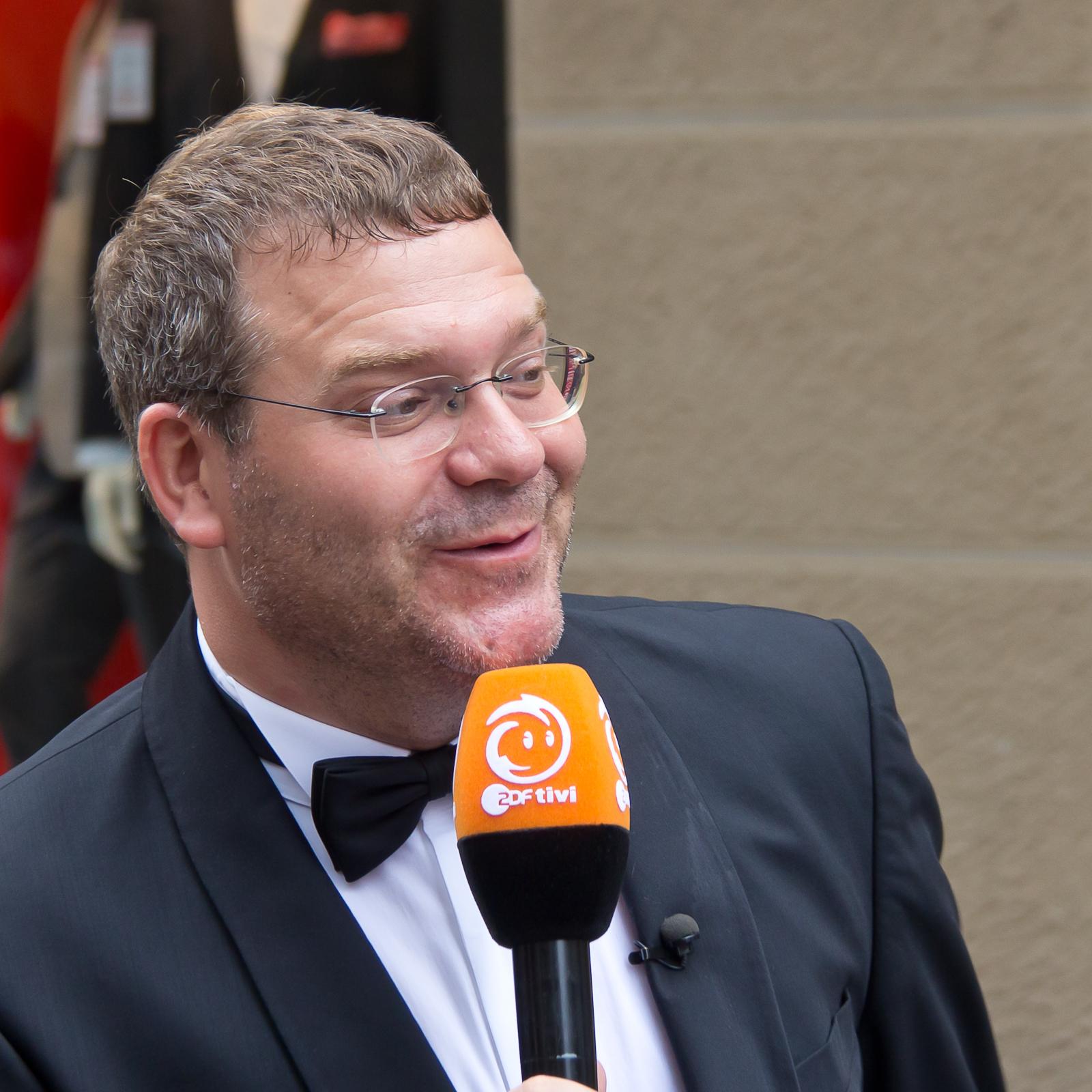 Elton Moderator