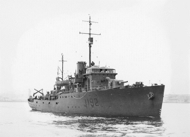 HMAS Kalgoorlie.jpg
