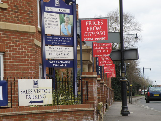 Hard times, hard sell on Dartmouth Road Olney - geograph.org.uk - 1175026