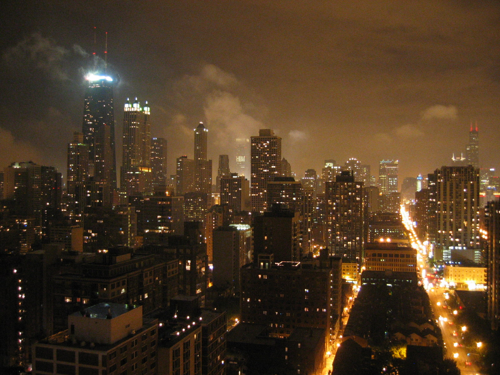 Jrballe_july_2004_chicago_skyline_at_nig