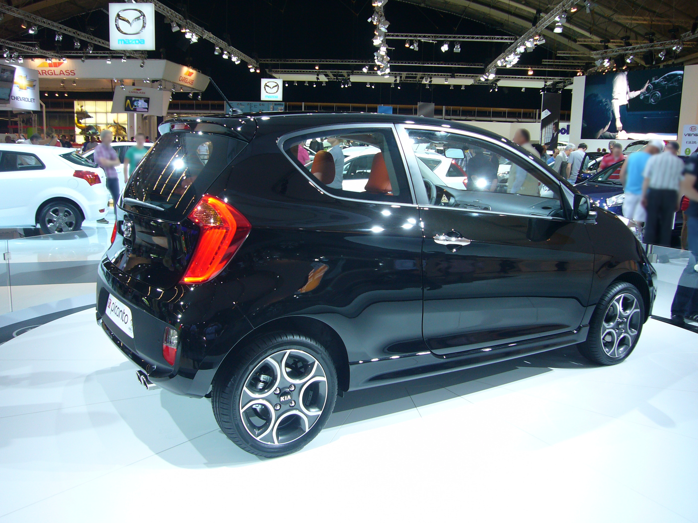file kia picanto 3 door rear quarter jpg wikimedia commons. Black Bedroom Furniture Sets. Home Design Ideas