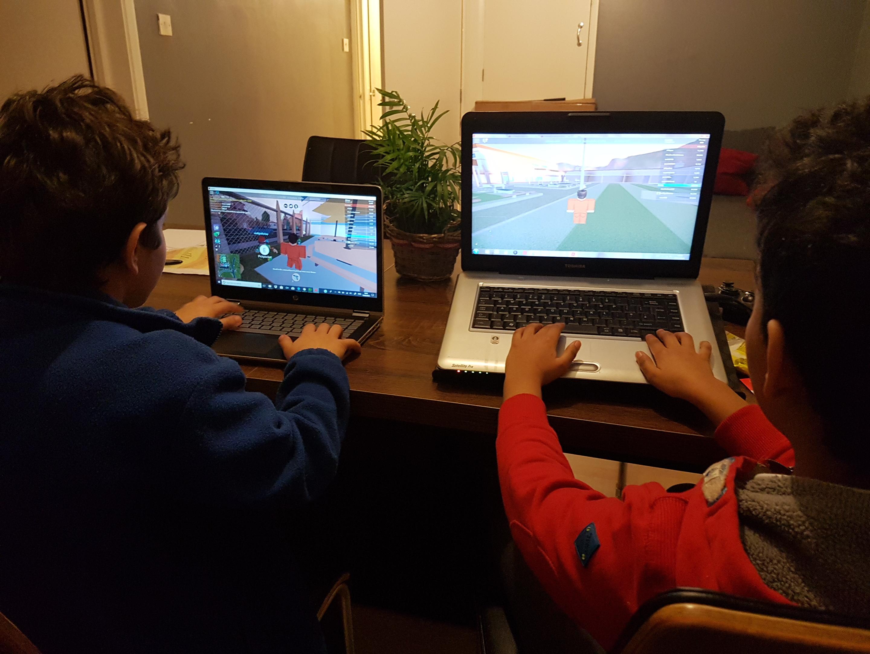 Kids playing online games.jpg English: Games Addiction Date 14 March 2018 Source Own work Author Serwa27