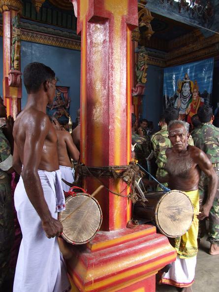 Kokkatti Sivan temple drummers.jpeg
