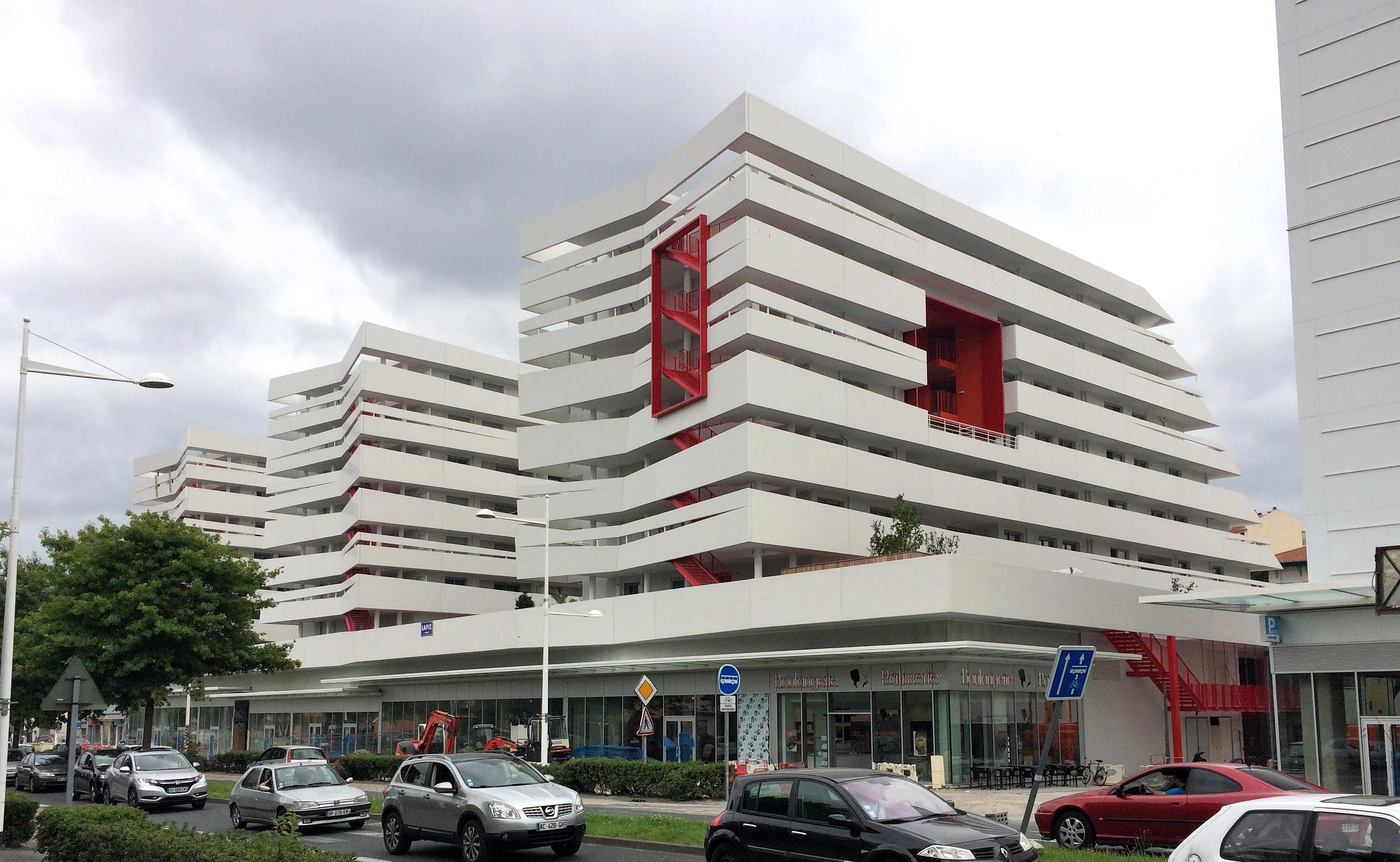 File le col anglet architecture moderne jpg wikimedia for Architecture courbe