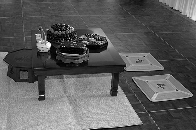 File:Lightmatter korean tea ceremonytable.jpg