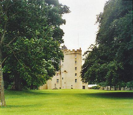 Midmar Castle - geograph.org.uk - 97346.jpg