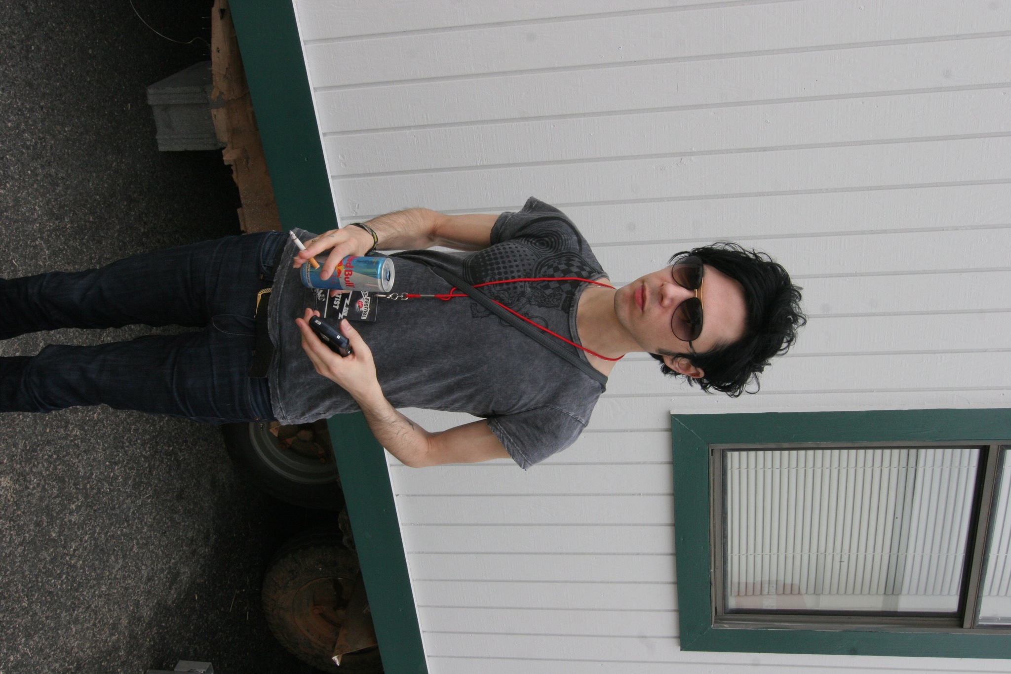 Image of Nick Zinner from Wikidata