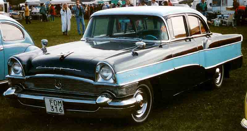 http://upload.wikimedia.org/wikipedia/commons/6/63/Packard_Clipper_Custom_4-Door_Sedan_1956.jpg