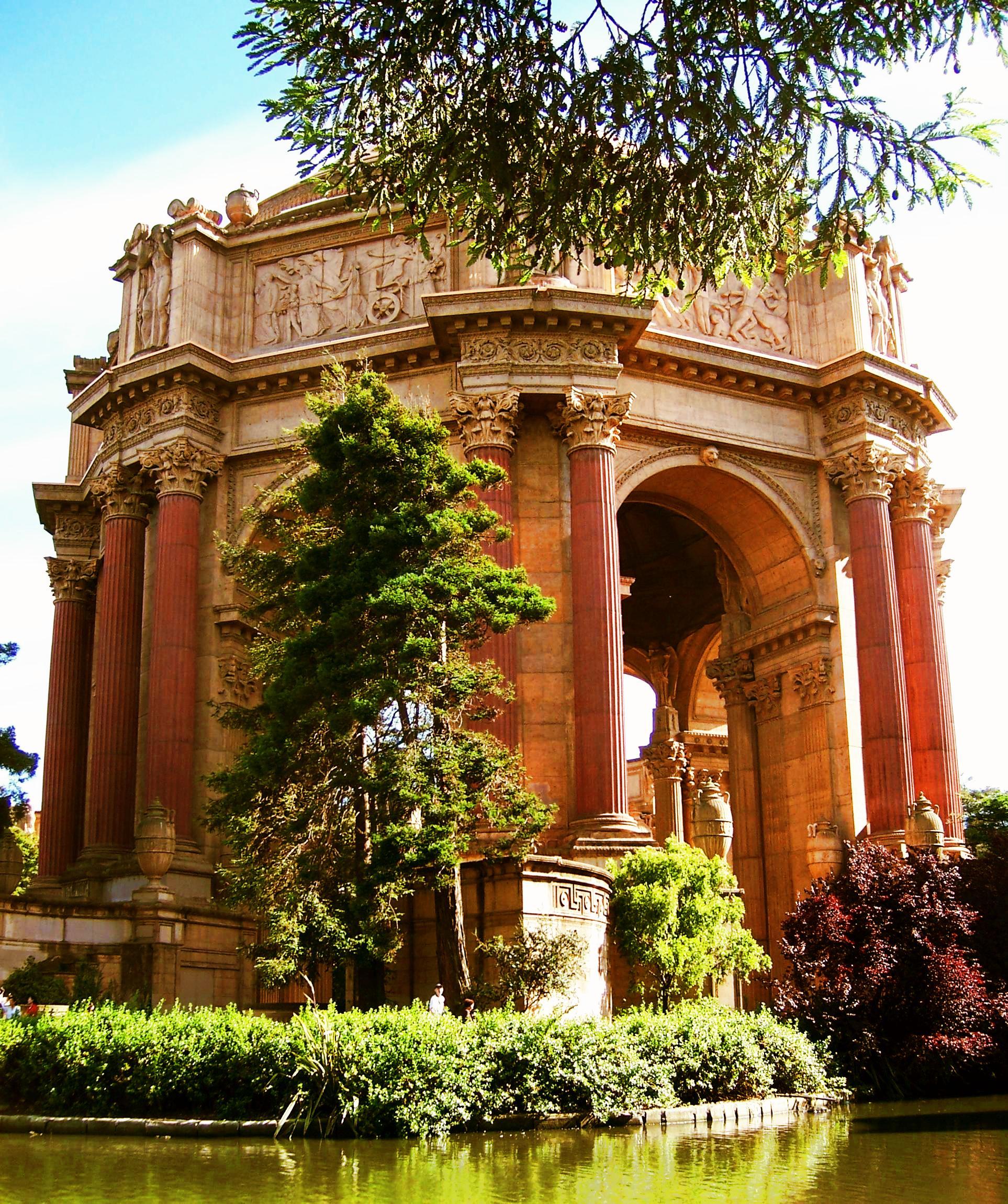 Palace_of_fine_arts_2006.JPG