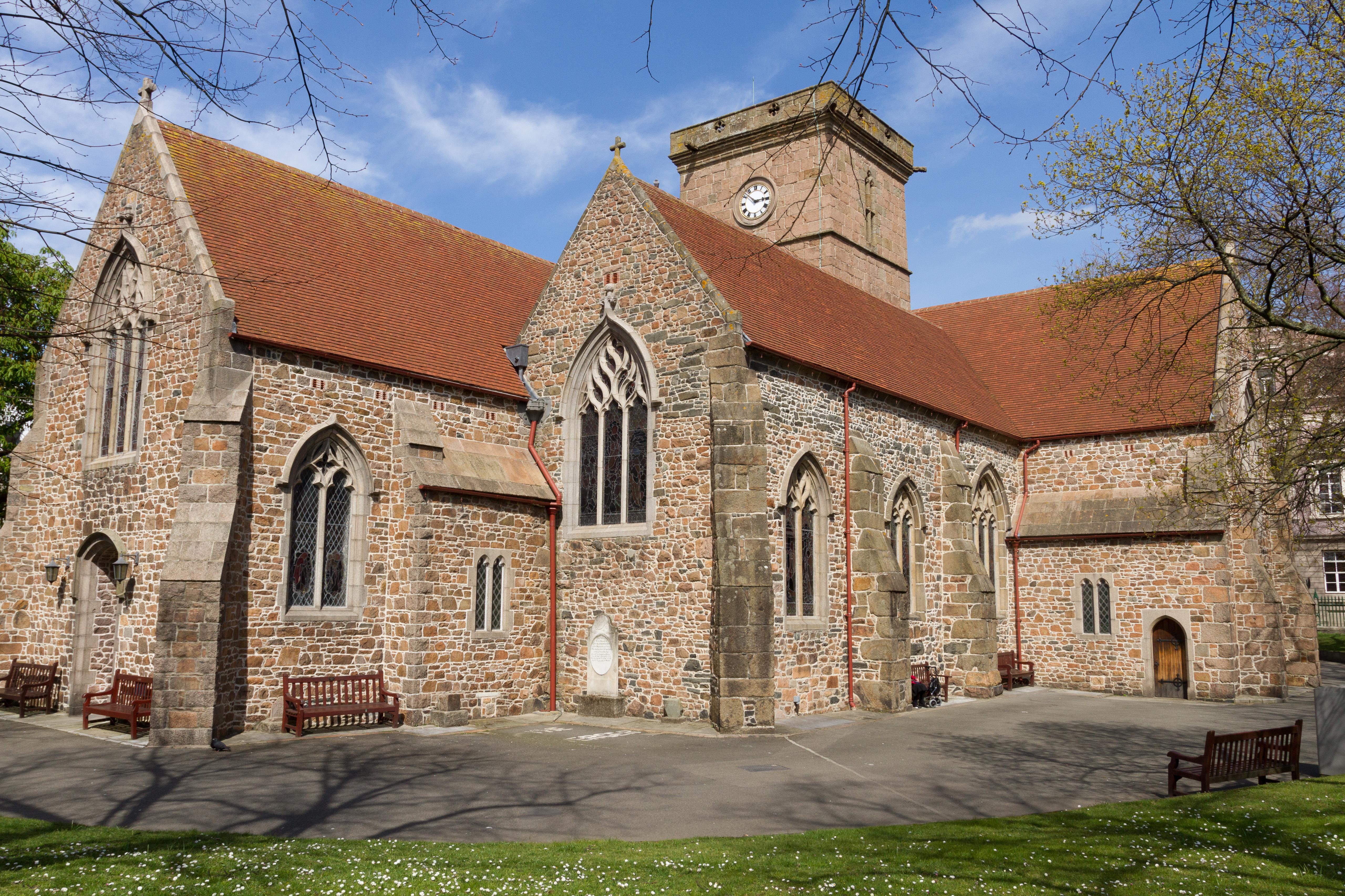 Parish Church of St Helier - Wikipedia