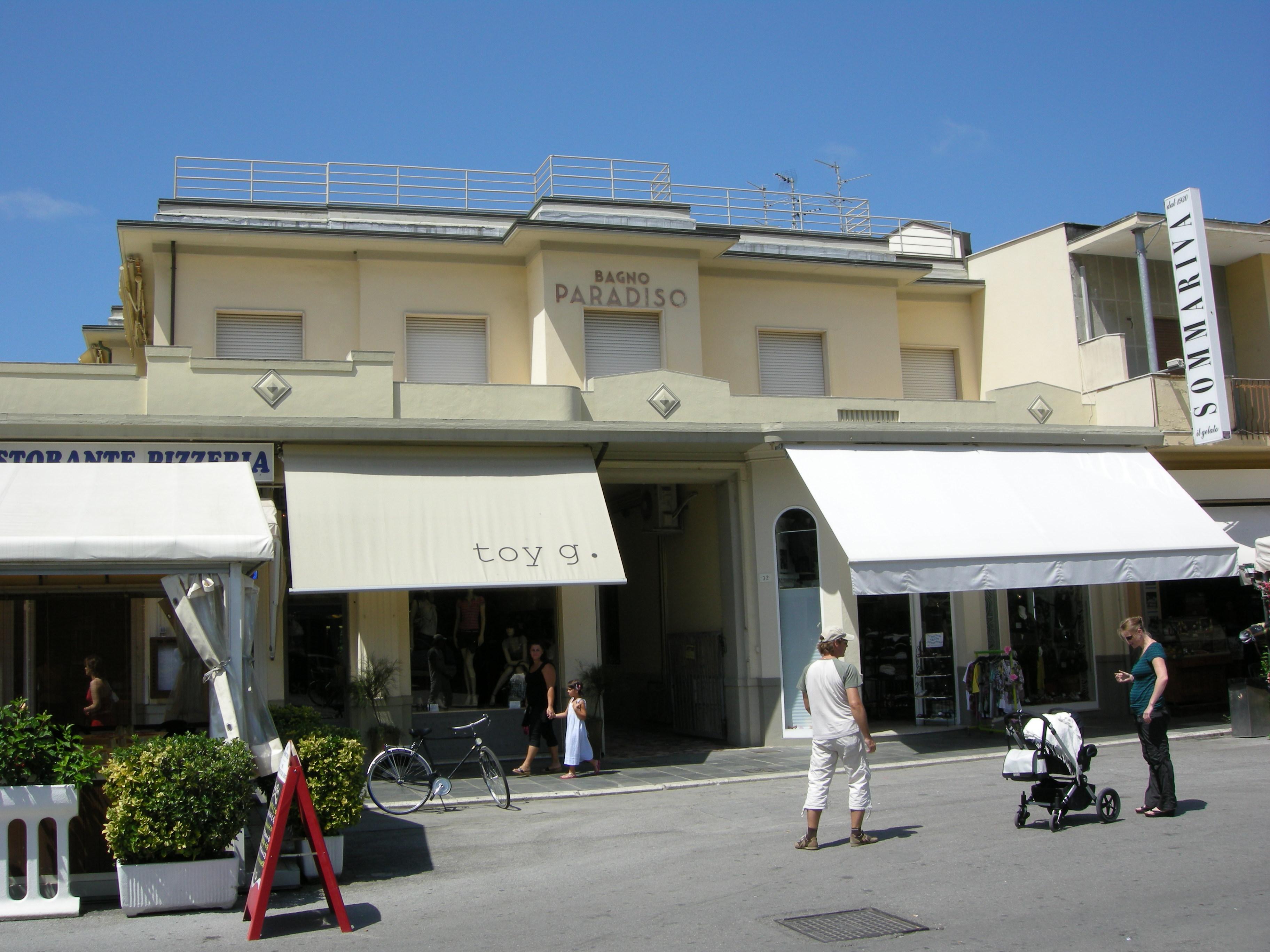 File:Passeggiata di viareggio 13 bagno paradiso.JPG - Wikimedia Commons