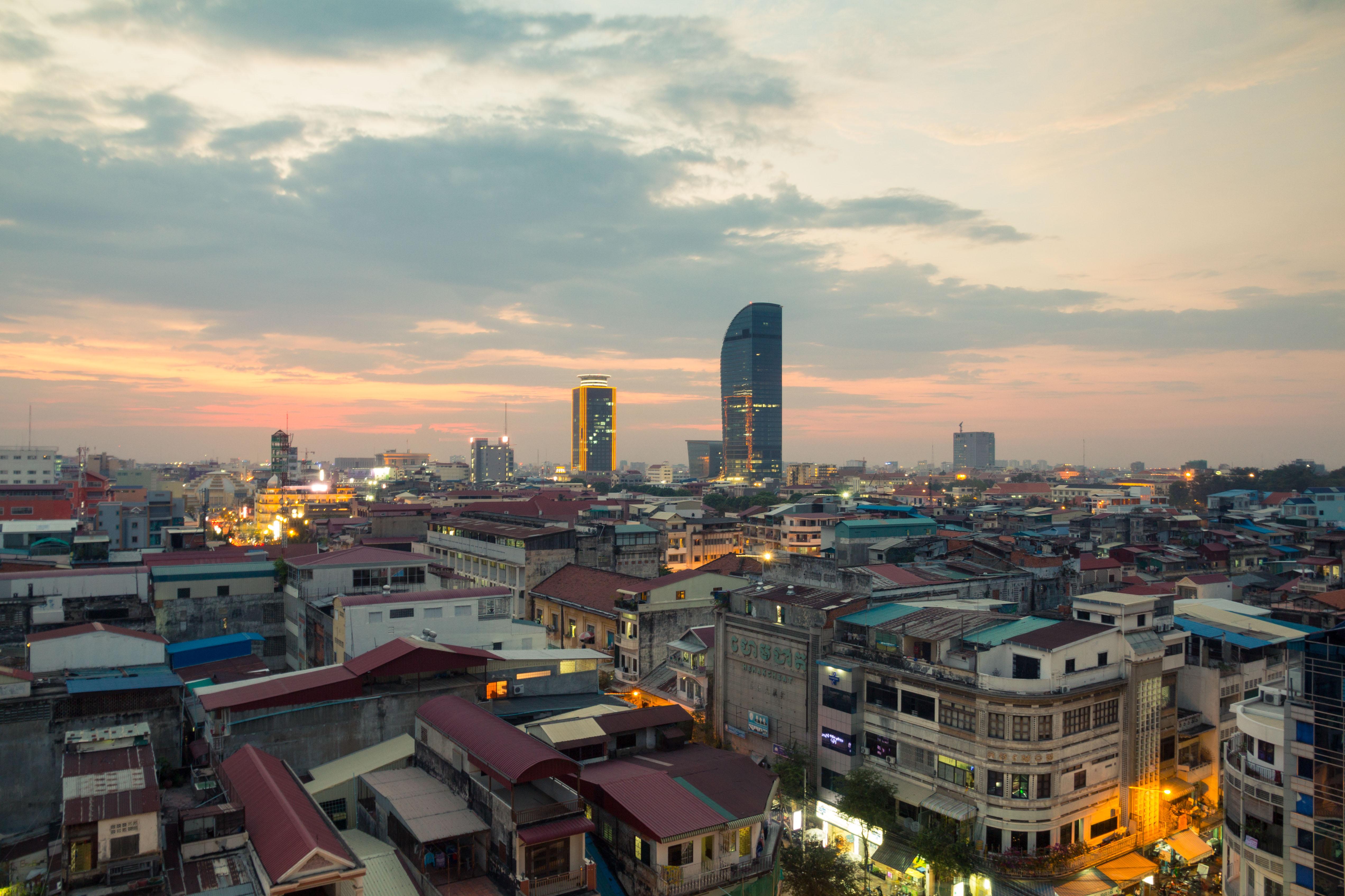 Phnom_Penh_sunset.jpg